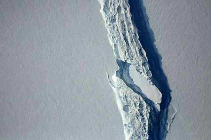 One-Trillion Ton Iceberg Breaks Off From Antarctica