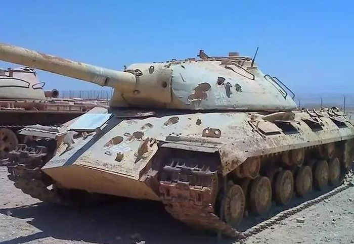 Here's What A Real Heavy Duty Tank Looks Like