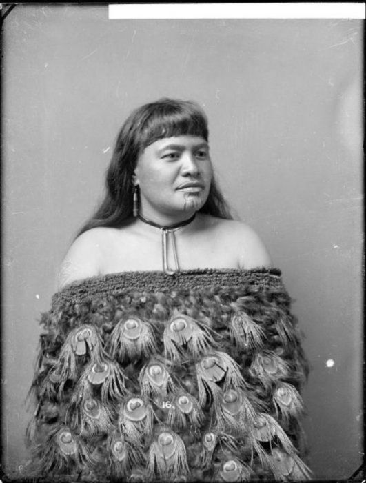 Maori Women With Tattoos On Their Faces