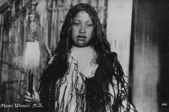 Maori Women With Tattoos On Their Faces