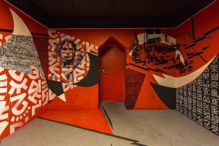 Hostel Painted By One Hundred Street Artists