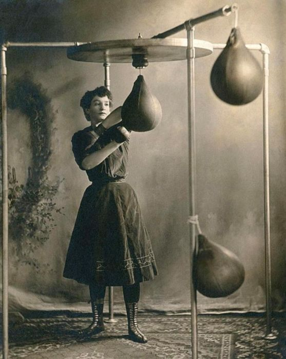 Vintage Photos Show The Weird World Of Victorian Female Boxing