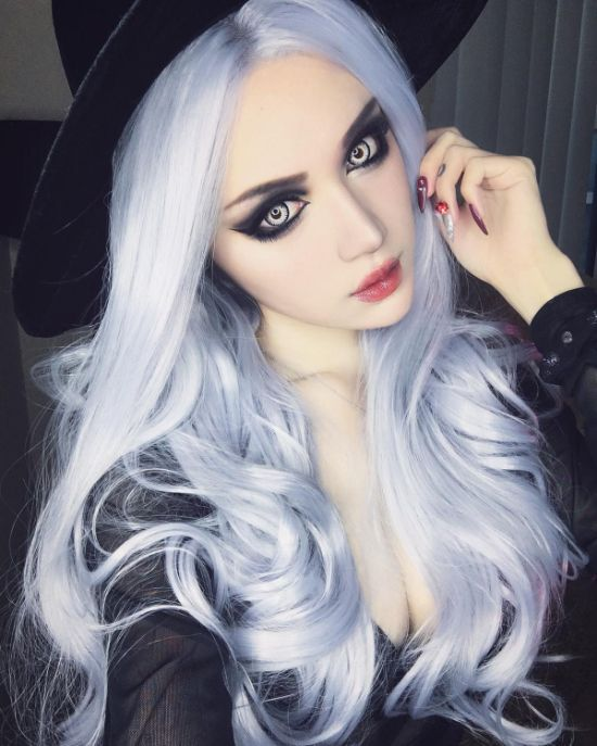 Gothic China Doll Kina Shen Is Pure Eye Candy