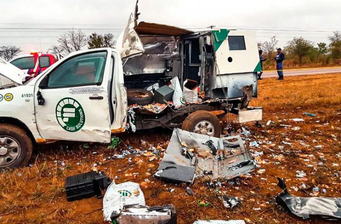 Money Rains From The Skies After Criminals Attack Armored Car