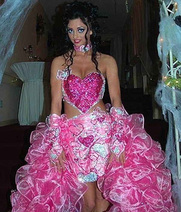 Strange Wedding Dresses That Are One Of A Kind