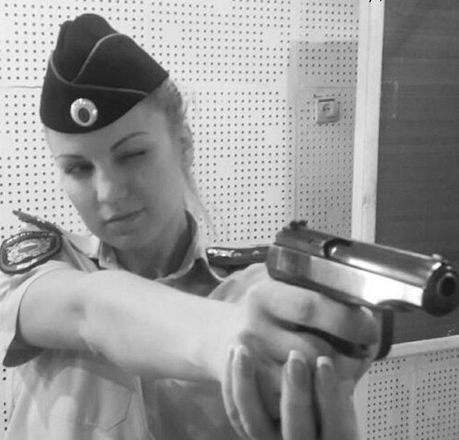 Russian Girls Who Look Really Good In Uniform