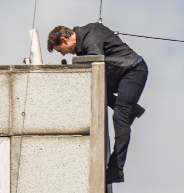 Tom Cruise Breaks Two Bones On The Set Of Mission Impossible 6, part 6