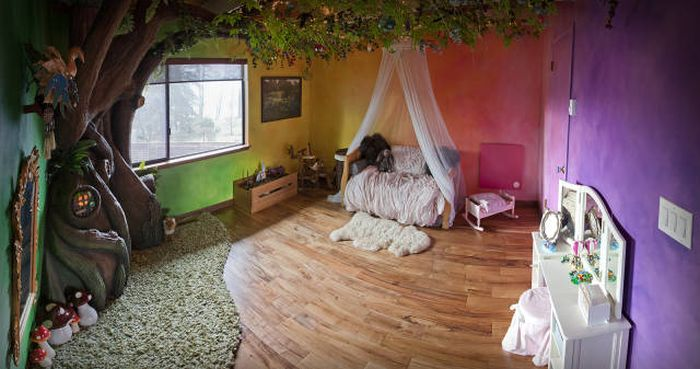Young Girl's Dad Builds Her An Incredible Bedroom