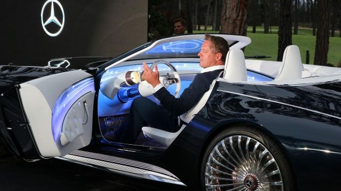 the mercedes maybach 6 cabriolet is a dream come true vehicles. Black Bedroom Furniture Sets. Home Design Ideas