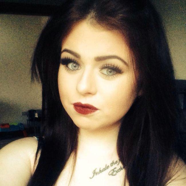 Girl Creates Fake Pillow Men To Get Revenge On Spying Ex-Boyfriend