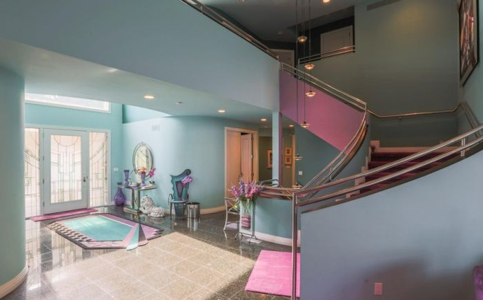 The Inside Of This 90's Themed Mansion Is Like A Time Capsule