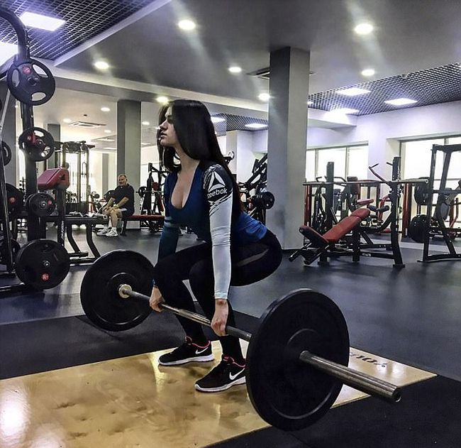 Russian Teenager Beats Anorexia To Become A Fitness Instructor