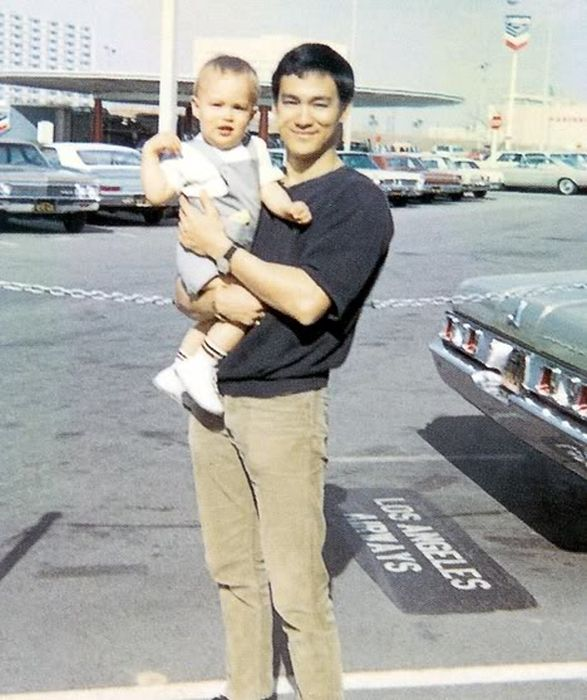 Unseen Photos of Bruce Lee From The Family Archive