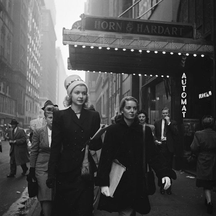 17-Year-Old Stanley Kubrick's Photos Of 1940s New York