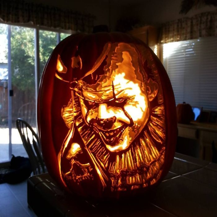 Artist Carves Pumpkins As Pop Culture Characters For Halloween