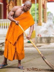 Shaolin Monk Got Photoshopped