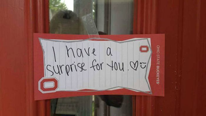 This Guy Knows How To Surprise His Girlfriend