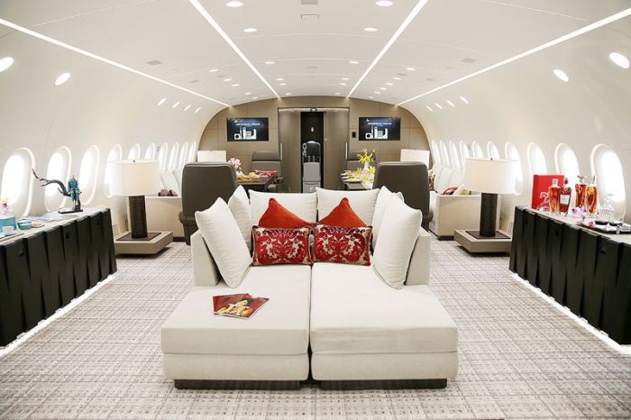 Inside the World's Only Private 787 Dreamliner