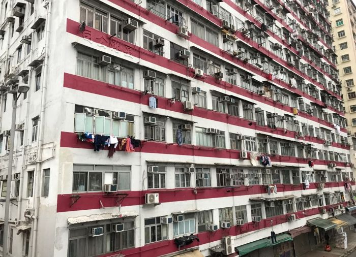 Tiny 40sq ft Flat In Hong Kong $370 A Month