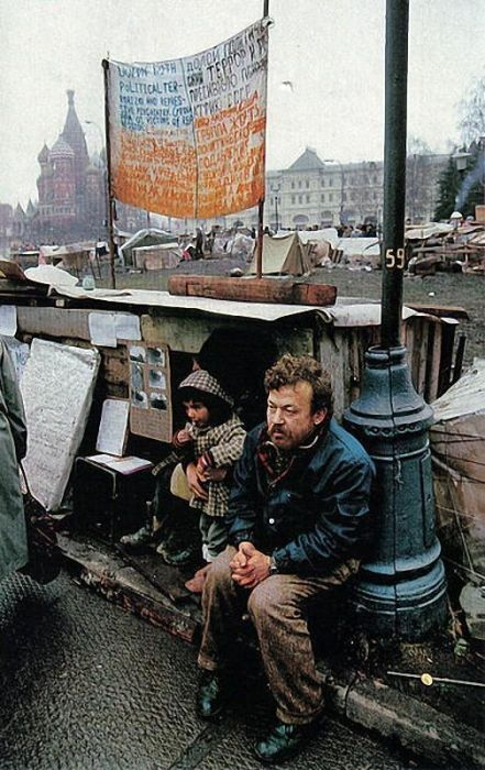 Photographer Jon Thompson in the USSR And Russia In The 1990s