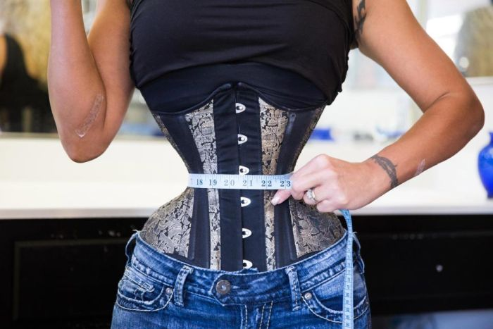 39-Year-Old Woman Wears A Corset For 23 Hours Daily