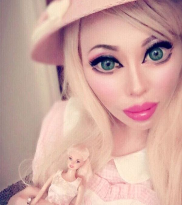 Barbie Fan Had A Surgery To Make Her Half-Chinese Eyes More Caucasian