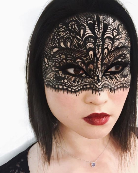 This Woman Creates Optical Illusions With Makeup
