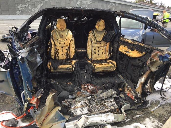 Tesla Exploded After The Car At A Speed Flew Into The Concrete Barrier