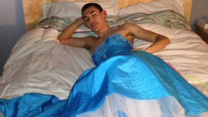 Funny And Strange Prom Photos