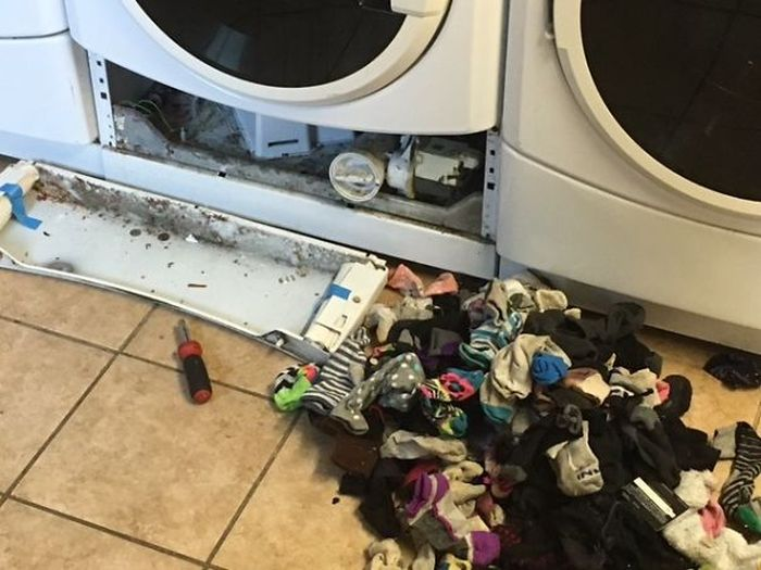 This Is How Washing Machines Eat Socks