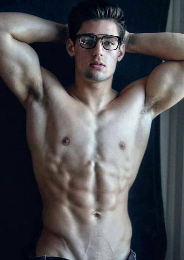 GIRLS, What kind of are more attractive? Muscular Guys or