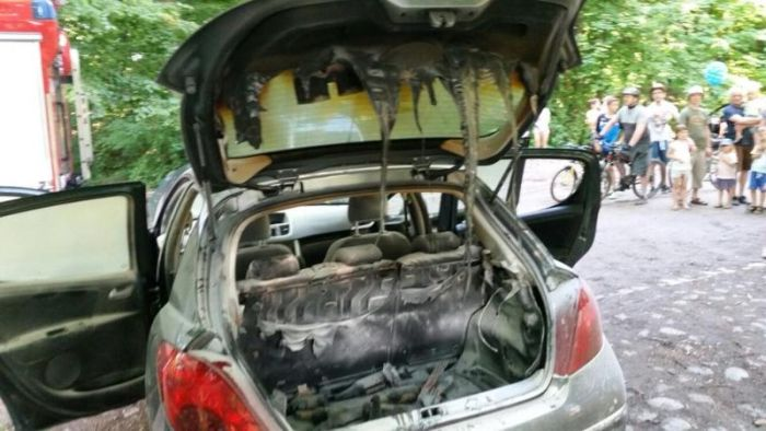 What Do Brotish Call A Car S Trunk
