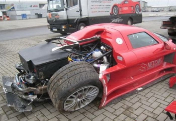 Crashed supercars, part 2
