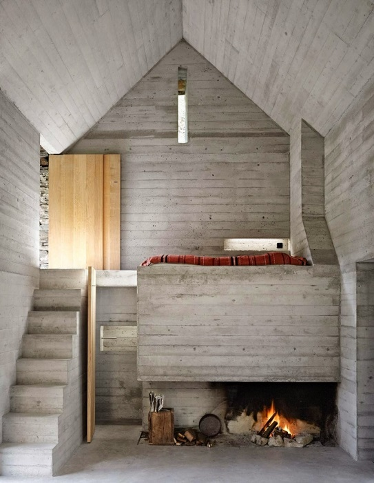 This House Looks Like A Hut, But Let's Take A Look inside