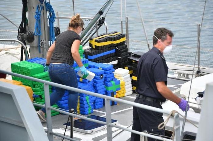 Dutch Pair Was Smuggling Cocaine