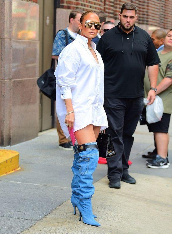 Jennifer Lopez Wears A Very Interesting Jeans