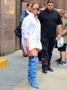 Jennifer Lopez Wears A Very Interesting Jeans