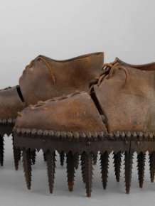 "Shoes Called ""Soles"" Were Used To Peel The Chestnuts"