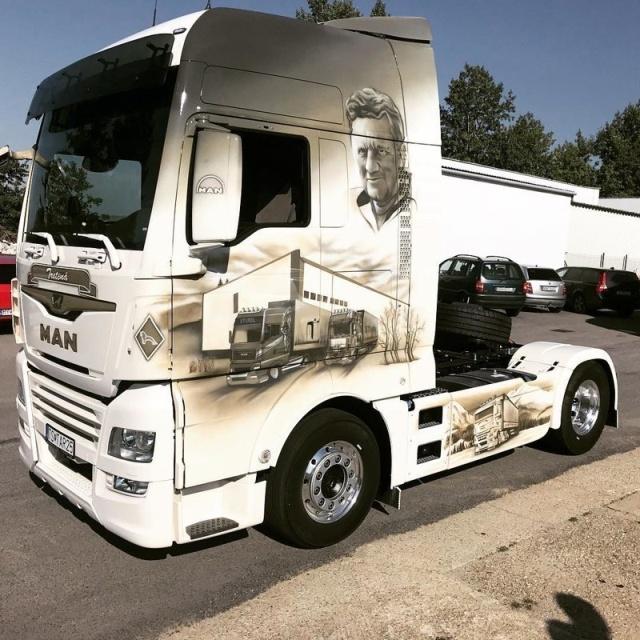 Airbrushing On Trucks
