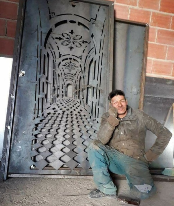 Awesome Door With A Built-In-Illusion
