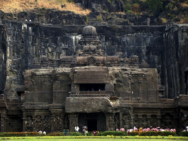 The 8th Century Temple That Was Carved Out Of One Rock