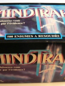 People Find Diamond Rings Hidden Inside A $2 Second-Hand Board Game