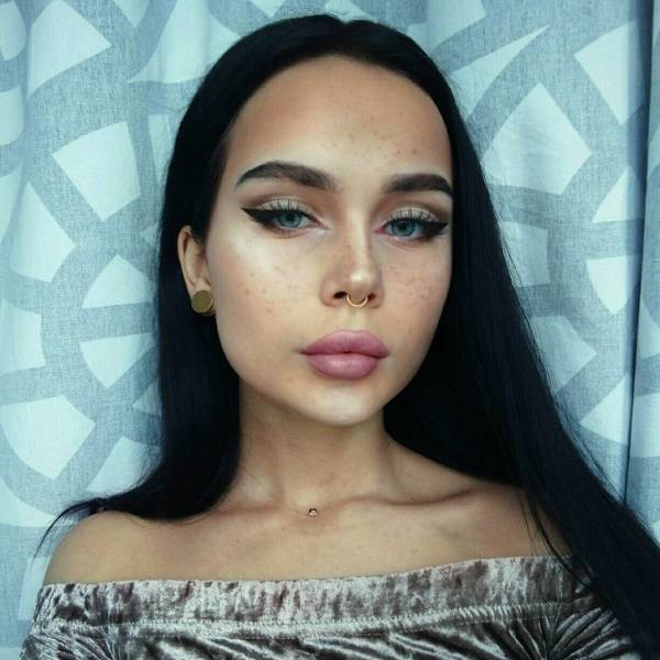 This Russian Girl Can Copy Just About Any Celebrity
