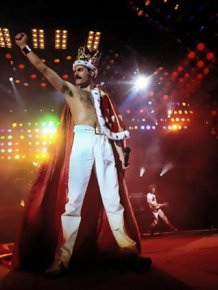 Elton John Reveals Details About Freddy Mercury's Final Days