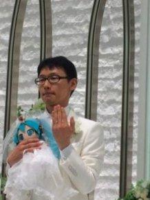 Japanese Akihiko Kondo 35 Years Later TNN Decided To Marry Anime Virtual Singer Mika Hatsune