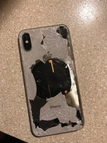 iPhone X Explodes During iOS 12.1 Update