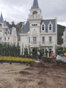 Builder of $200 Million Turkish Chateaux Project Goes Bankrupt