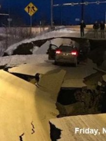 On November 30th This Alaska Road Collapsed In An Earthquake. It's Already Been Fixed on December 4th