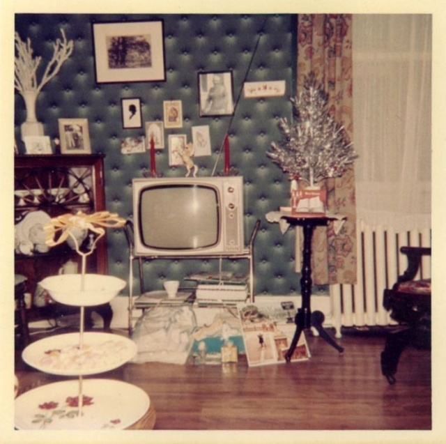 Photos Of Christmas Home Decor In The 1950s And 1960s
