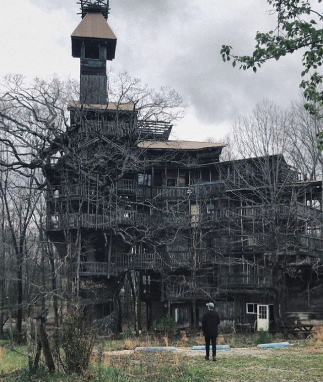 Tennessee 10-Story Tree House With 80 Rooms